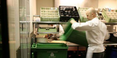 Tipos de residuos que se generan en los restaurantes (y cómo reciclarlos correctamente)